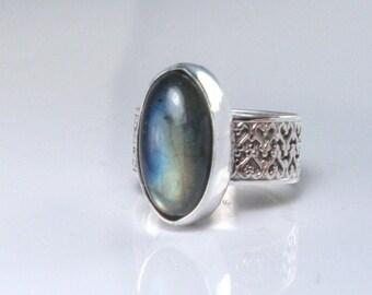 Labradorite Wide Band Silver Ring Large Stone Ring Sterling Ring Chunky Labradorite Ring Size 7 Artisan Gemstone Ring Blue Grn Shimmer Stone