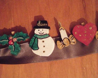 Small wood with various patterns of Christmas in woodcut