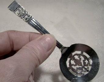 "Oneida Community Coronation Silver Plated 4-1/2"" Pierced Bonbon Spoon Server 1936"