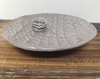 small bedside jewelry dish