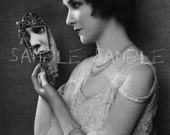 VINTAGE photo Instant DIGITAL DOWNLOAD Digital collage sheet Victorian Woman Bohemian Gypsy Princess Paper Art Supply Print