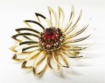 Red Brooch - Vintage, Sarah Coventry Signed, Gold Tone Red Rhinestone Floral Pin