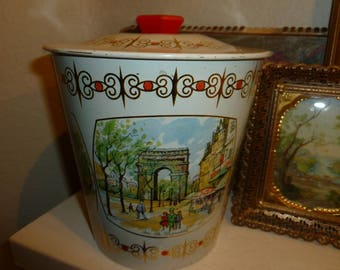 Vintage Candy Tin Featuring Famous Land Marks In Paris 1960's