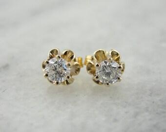 Sweet Classic Buttercup Diamond Stud Earrings XRQ7FJ-R