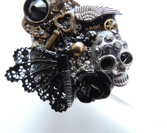 """Steampunk jewelry. Big ring """"Gothic Composition""""."""