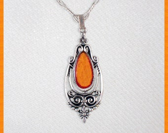 Vintage amber pendant with chain