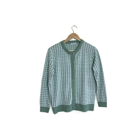 60s dogtooth cardigan / vintage sage green and cream dogtooth cardigan / mod cardigan / vintage green checked soft cardigan 60s 70s sweaters