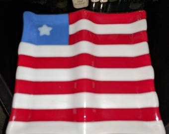 American flag in a two-section dish
