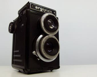 Vintage Argus Argoflex E TLR (Twin-Lens Reflex) Rolliflex Type Camera With Leather Case - 1960's - For Display Purposes Only