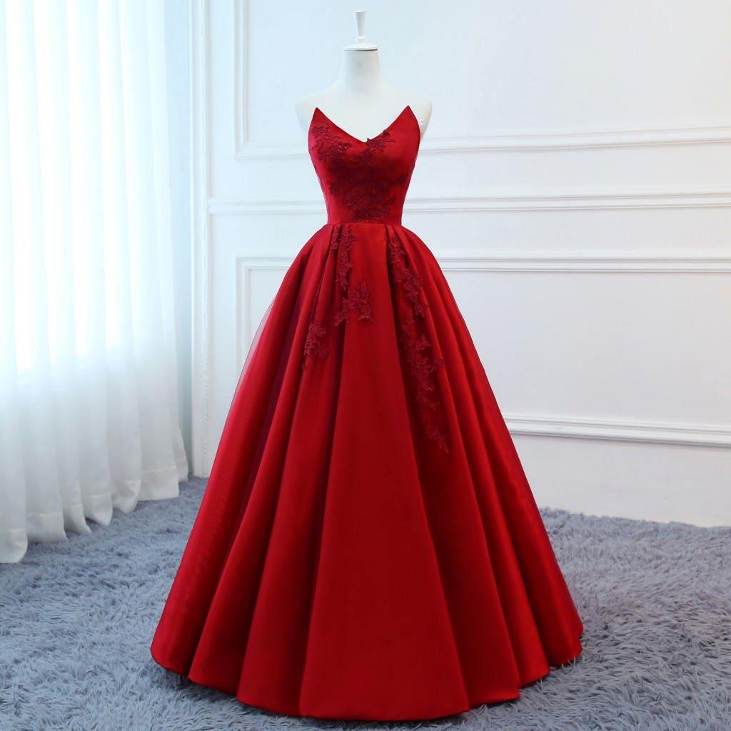 2018 Prom Kleider lange rote Abendkleider Floral Tüll Kleid