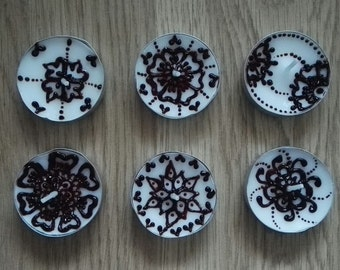 Set of 12 (6x2) Real Henna (Mehndi) Tea Light Decorative Candles