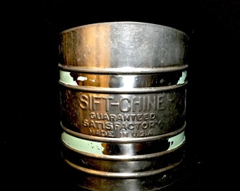 Vintage Sift-Chine Good Housekeeping Sifter