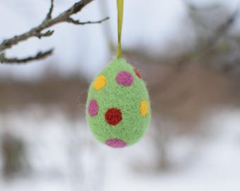 Felted Easter egg dotted light green,kids room dekor,wool egg,Easter holyday Needle felted eggs Easter home decor
