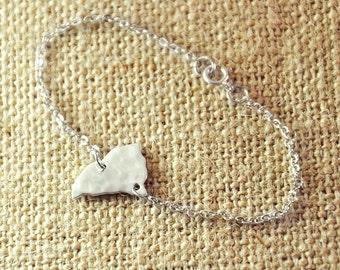 Customized map bracelet, Hammered South Carolina bracelet, 925 silver Map jewelry, state charm ,Personalized state map, Customized bracelet,