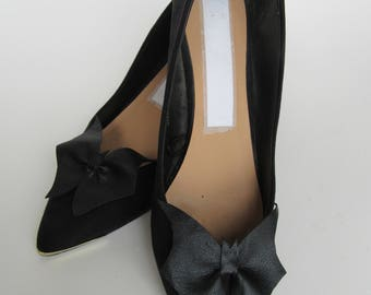 1 Pair of Bat wing shoe clips, halloween, bats, shoes, clips, weddings, accessories.