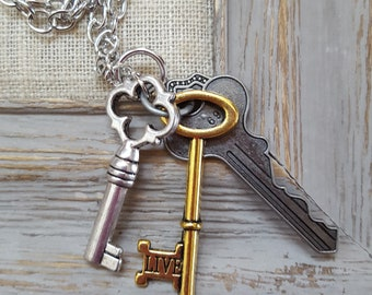 Victorian Jewelry, Steampunk jewelry, Charm necklace, Charm Jewelry, Skeleton Key Jewelry