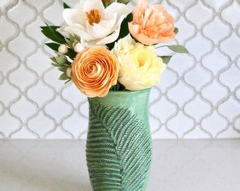 Fougère Vase - moderne à la main levée Vase - minimaliste Home Decor - unique en son genre - prêt à être expédier