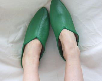 Women's Leather Slippers || Traditional Moroccan Pointed Babouche || Dyed With Natural Colour || Green