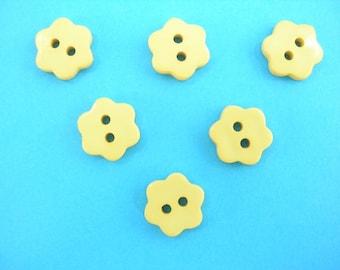 LOT 6 buttons: 14mm yellow flower