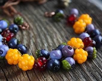 Lampwork berry bracelet / bracelet with blueberry, cloudberry, salmonberry / artisan glass beads/ Berries jewelry