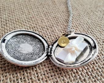 SALE - Antique Silver Locket Necklace -Personalized Locket -Bridesmaid necklace -Vintage Silver Locket -Bridesmaid Locket  Secret Note