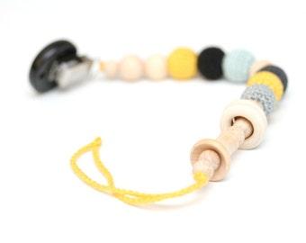 Black dummy chain Pacifier clip, Crochet wooden holder, stroller dummy chain, Black & Yellow Teething wooden baby toy