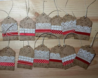Set of 12 tags in kraft and lace paper