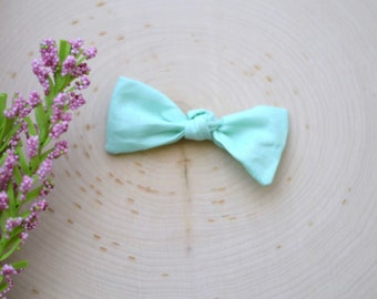 Seafoam Green Knotted Bow