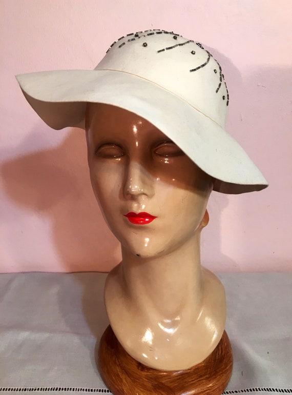 Vintage 1960s Does 1930s Cream Felt Beaded Hat by Schermann Fifth Avenue New York 22 Inch