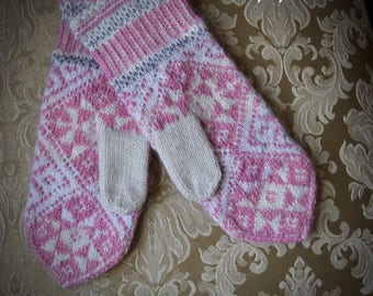 Pink Womens winter mittens, knitted mittens, wool mittens, knit mittens, snow flake mittens,