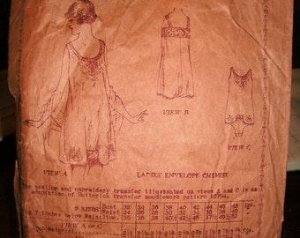 Butterick 2822 Printed Pattern ~ Size 38 Bust ~ 1919 Ladies' Envelope Chemise ~ Fantastic Vintage Pattern!
