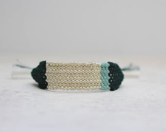 Woven threads of green linen and Viscose Or.Bracelet Bohemian chic bracelet. Saint Valentin.Bijoux Francais.medina Blue gift idea.
