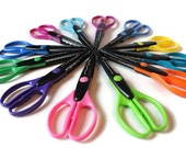Tub O' Scissors by Crafts Etc! - Assorted decorative edges
