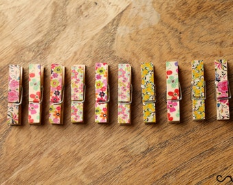 NEW Set of 10 Small 3.5cm Long Floral Wooden Cloth Pegs Wedding Party Craft Design C