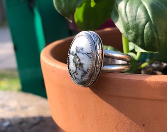 White Hubei/handmade sterling silver ring/size 8/floral/Mother's Day