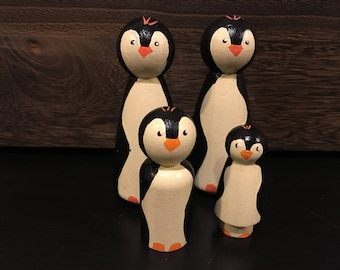 Wooden Peg Doll Penguin Toys / Set of 4 / Wooden Peg People, Natural Toys, Imagination Play, Hand Painted Toys, Wooden Toys,  Animal Toys,