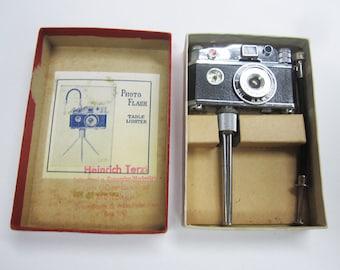 Photo Flash Mini Camera Table Lighter Unused Orig. Box with Compass KKW Vintage Novelty Pocket Cigarette Lighter