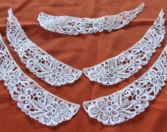 LACE APPLIQUES  --5 pieces--  large white floral