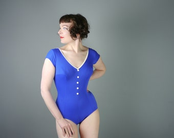 60s SHORT SLEEVED swimsuit in blue white twotone design - decorative buttons and low cut PLUNGE back - pinup / Mid Century bathing suit - S
