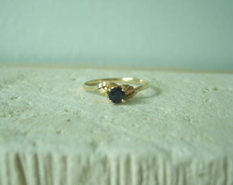 Dainty Vintage Natural Sapphire Black Hills Gold Ring with Leaves