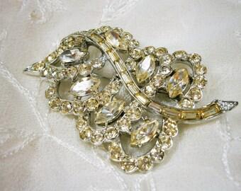 Vintage Rhinestone Brooch / Clear Rhinestone Pin / Leaf Shape Brooch / Bridal Pin / Wedding Jewelry
