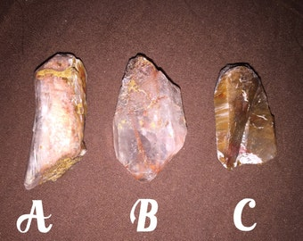 Amphobile quartz