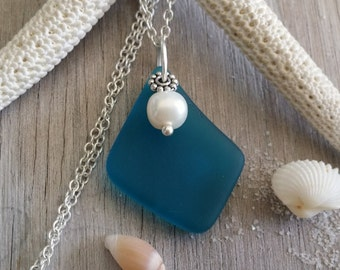 Handmade in Hawaii, Teal blue ea glass necklace , Sterling silver chain, Fresh water  pearl, Gift box.  Mother's Day Gifts.