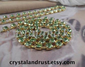 6mm---Peridot Rhinestone Cup Chain---Gold Base Metal---1yard (36 inch)