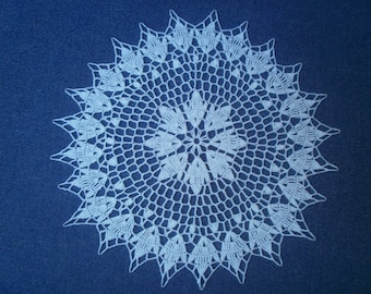 N4 DOILY crocheted in cotton