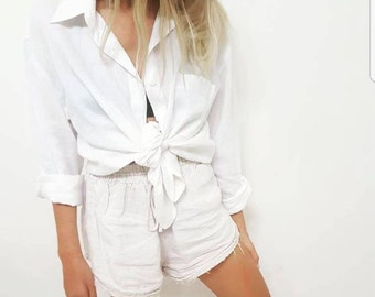 Vintage White Button Up // Linen Button Up Boho Shirt // Bohemian Beach Relaxed Fit Top