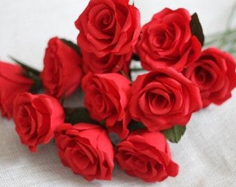 Dozen full bloom paper roses