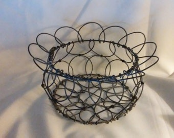 Antique Collapsible Wire Egg Basket, (103/#3020)