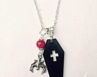 Vampire Necklace - Dracula Necklace - Coffin Necklace - Gothic Necklace - Vampire Jewellery - Dracula Jewelry - Halloween Jewellery