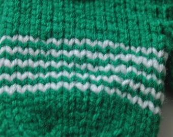 Ready made : green chevron striped mittens (child small)